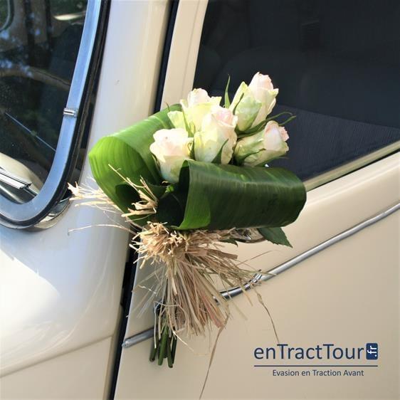 Décorer les poignées de porte de sa voiture de mariage