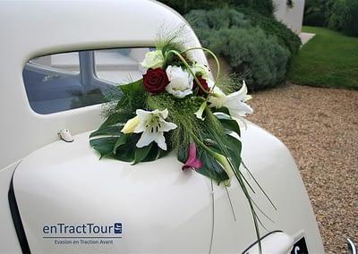 decoration voiture mariage malle