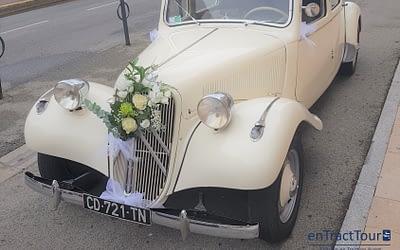 Décorer la calandre de sa voiture de mariage